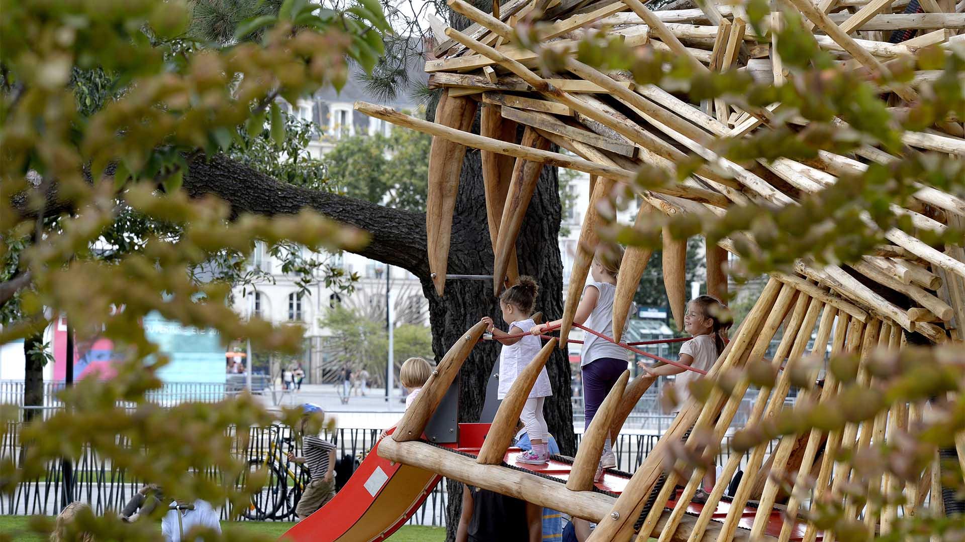 5 Aires De Jeux Atypiques destiné Jeux Pour Jeunes Enfants
