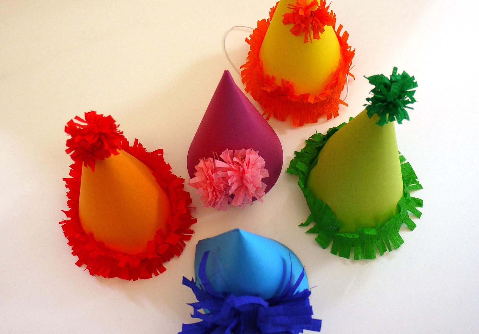 Activité Manuelle Avec Les Enfants : Le Chapeau De Carnaval tout Activité Manuelle 4 Ans