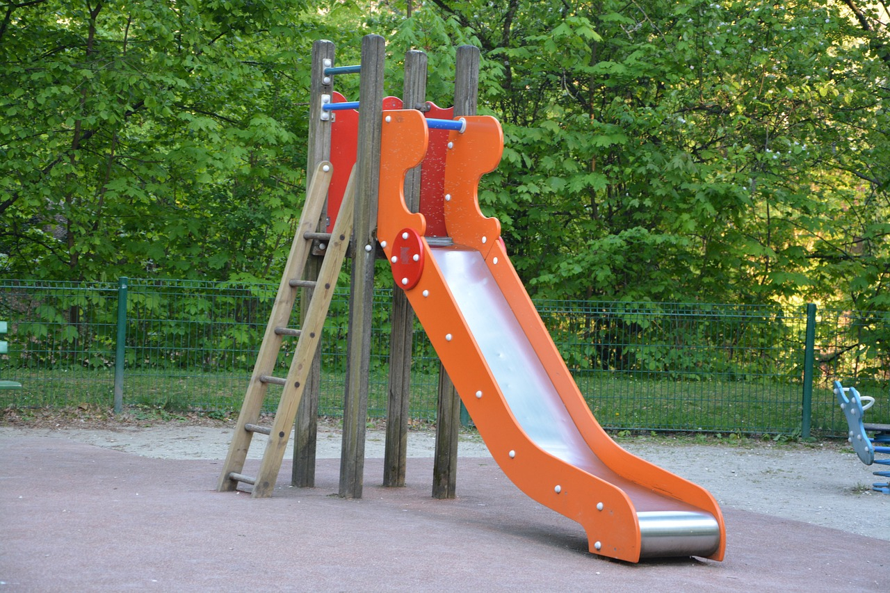 Aire De Jeux Pour Enfants De 3 À 6 Ans Au Camping De La pour Jeux Pour Enfant 6 Ans