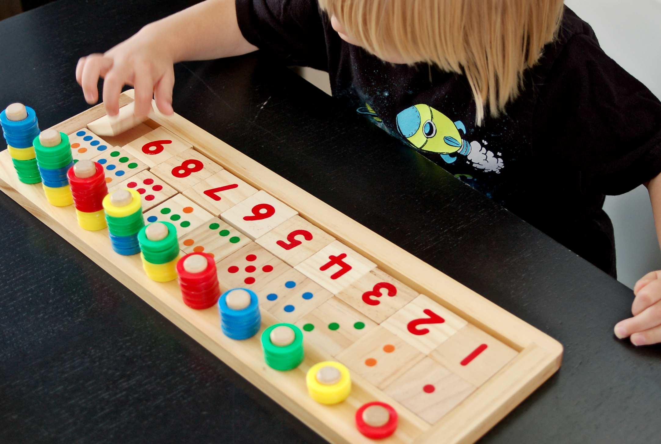 Apprendre À Compter : Jeu Éducatif En Bois - Crapaud Chameau serapportantà Apprendre A Compter Maternelle
