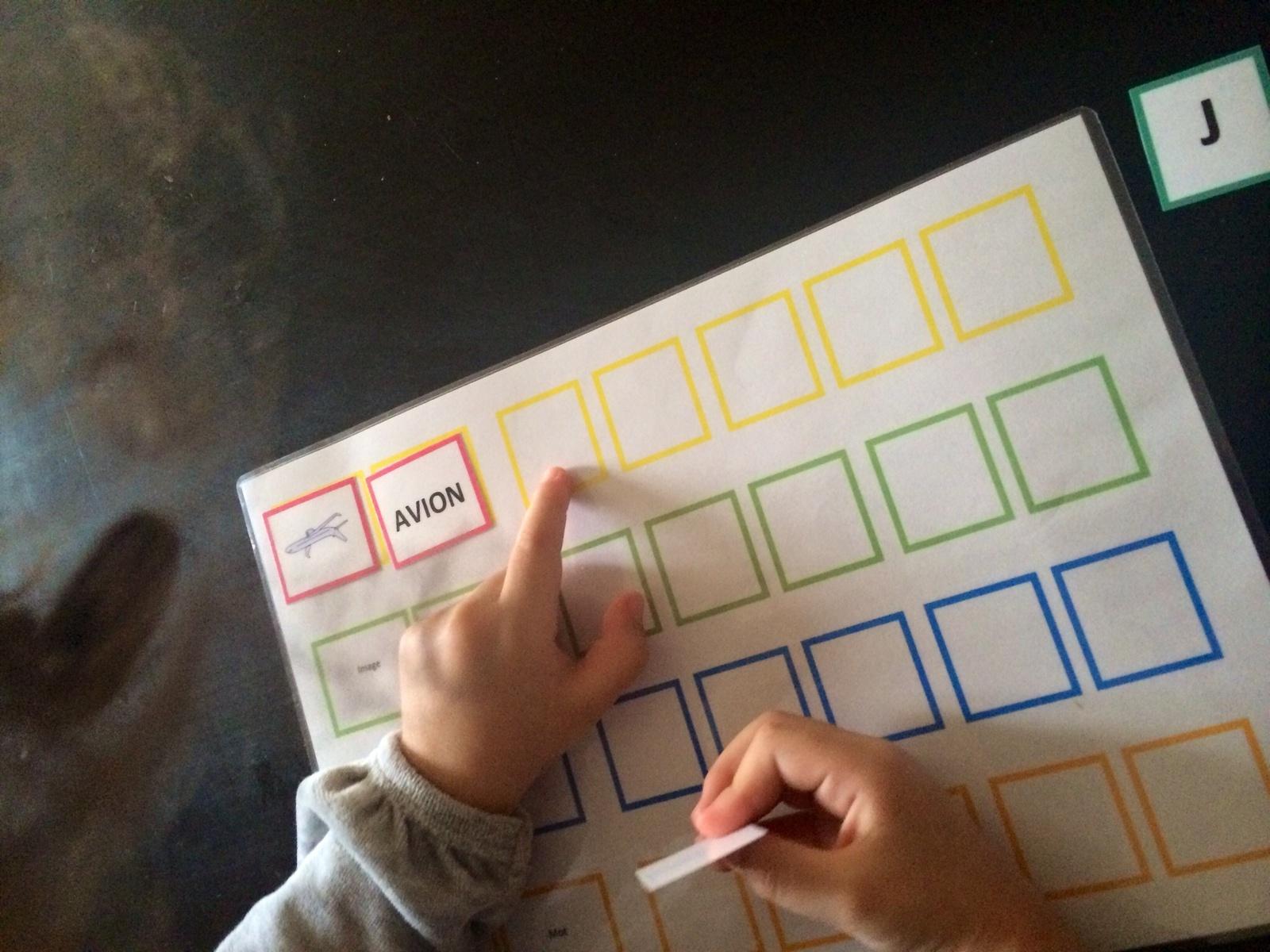 Apprendre L'alphabet, Lire Et Écrire - Apprends Moi Ummi à Apprendre À Écrire L Alphabet En Maternelle