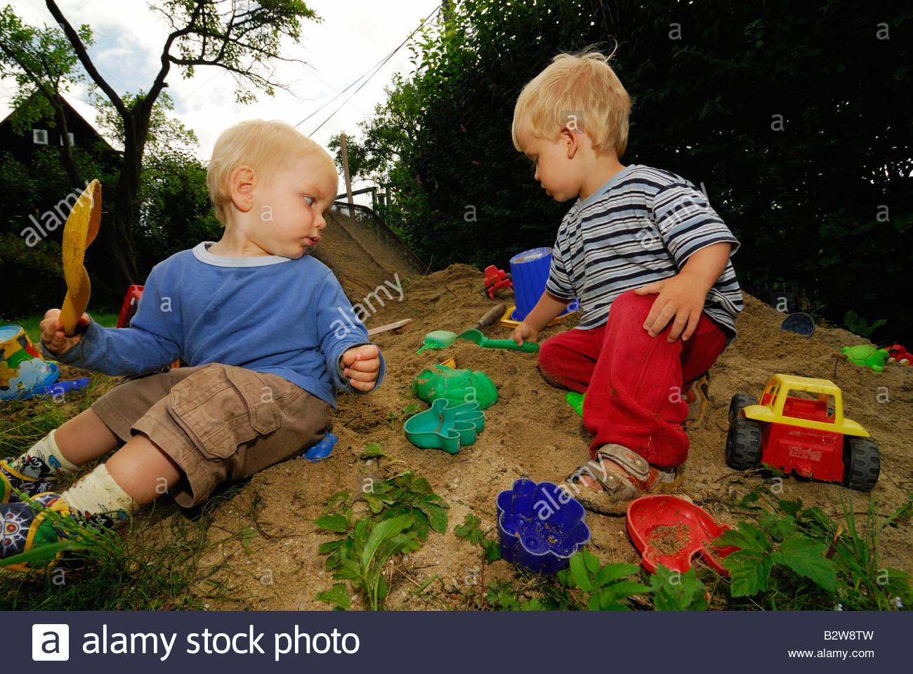 Bébés Bébé Garçon Enfant En Jouant À Sable Jouets Jeux Pour intérieur Jeux Pour Enfant De 3 Ans