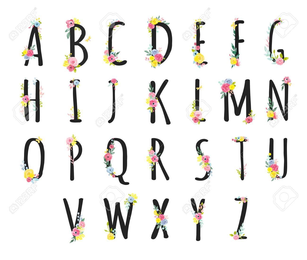 Belle Lettres Majuscules Alphabet Romain Avec Des Fleurs Dessinées À La  Main Aquarelle intérieur Lettres Majuscules À Imprimer