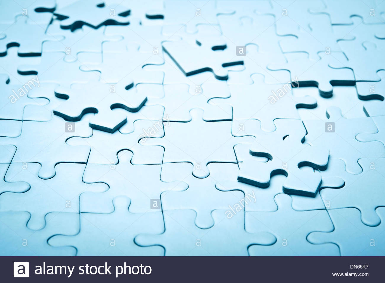 Blank Jigsaw Puzzle, Unfinished Stock Photo: 64675835 - Alamy encequiconcerne Puzzle Photo Gratuit