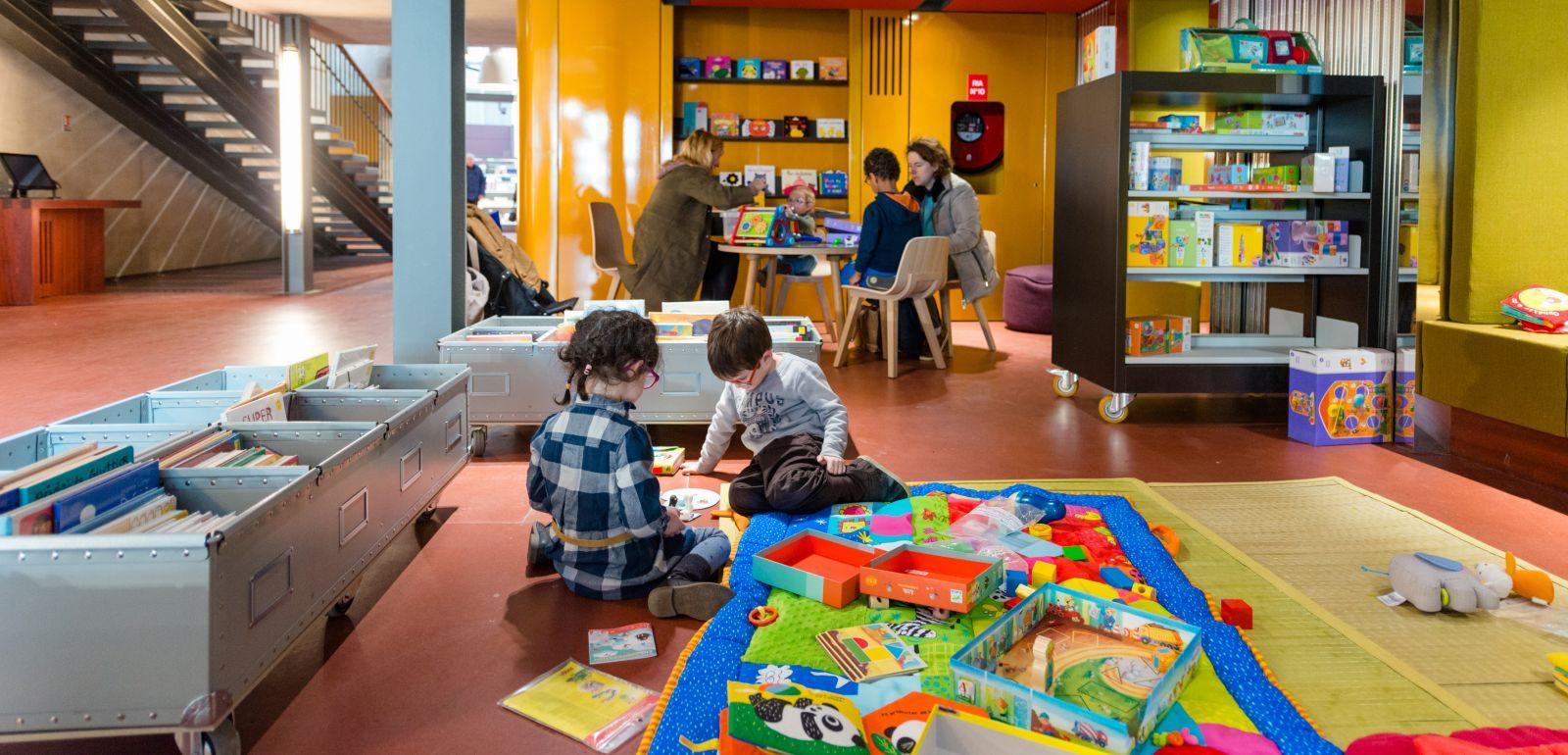 Brest - Le Départements Jeux Et Jeunesse De La Médiathèque serapportantà Jeux Tout Petit
