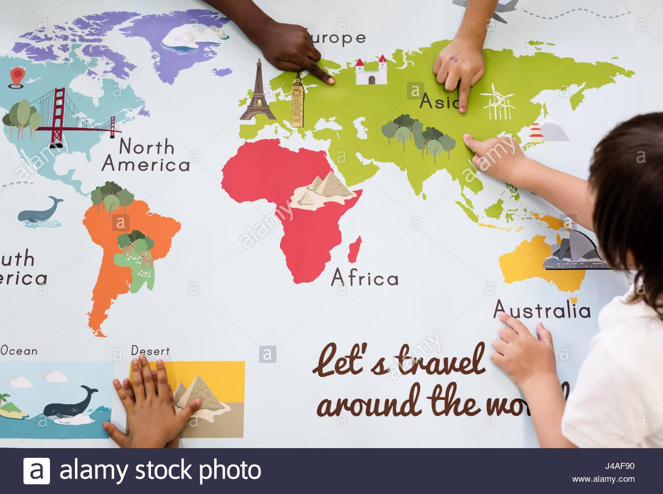 Carte Du Monde De L'apprentissage Pour Les Enfants Avec La dedans Carte Du Monde Pour Enfant