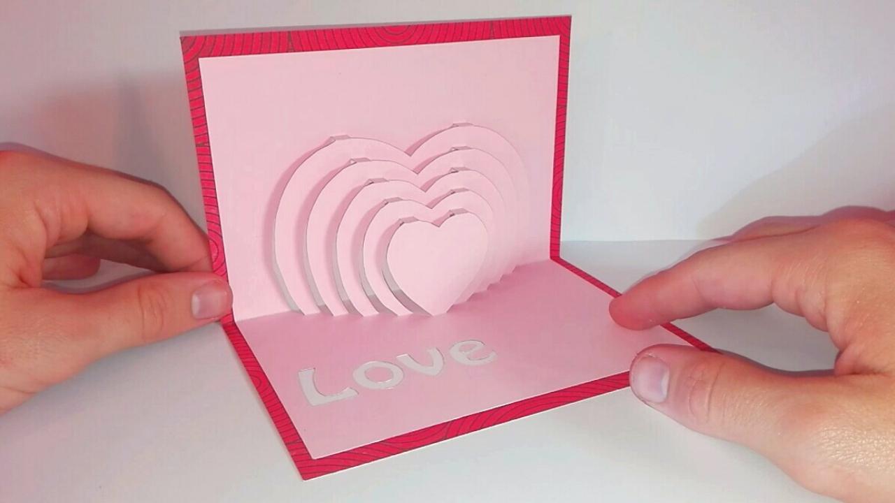 Carte Popup Coeur - Diy Fête Des Mères dedans Decoupage Papier Facile