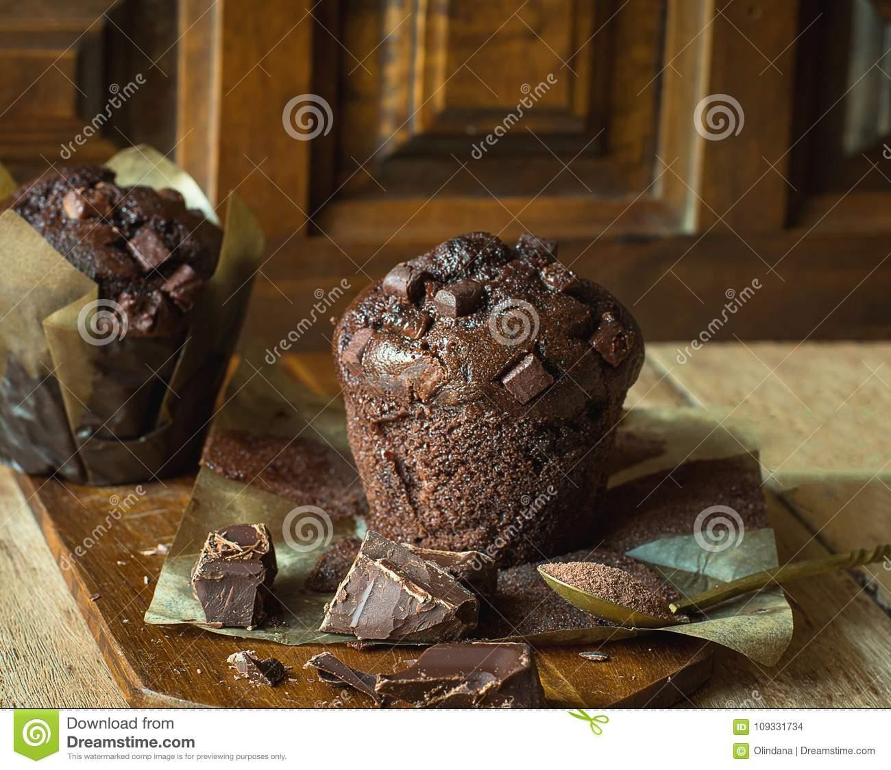Chocolat Cuit Au Four À La Maison Délicieux Chips Muffins En à Maison Papier A Decouper