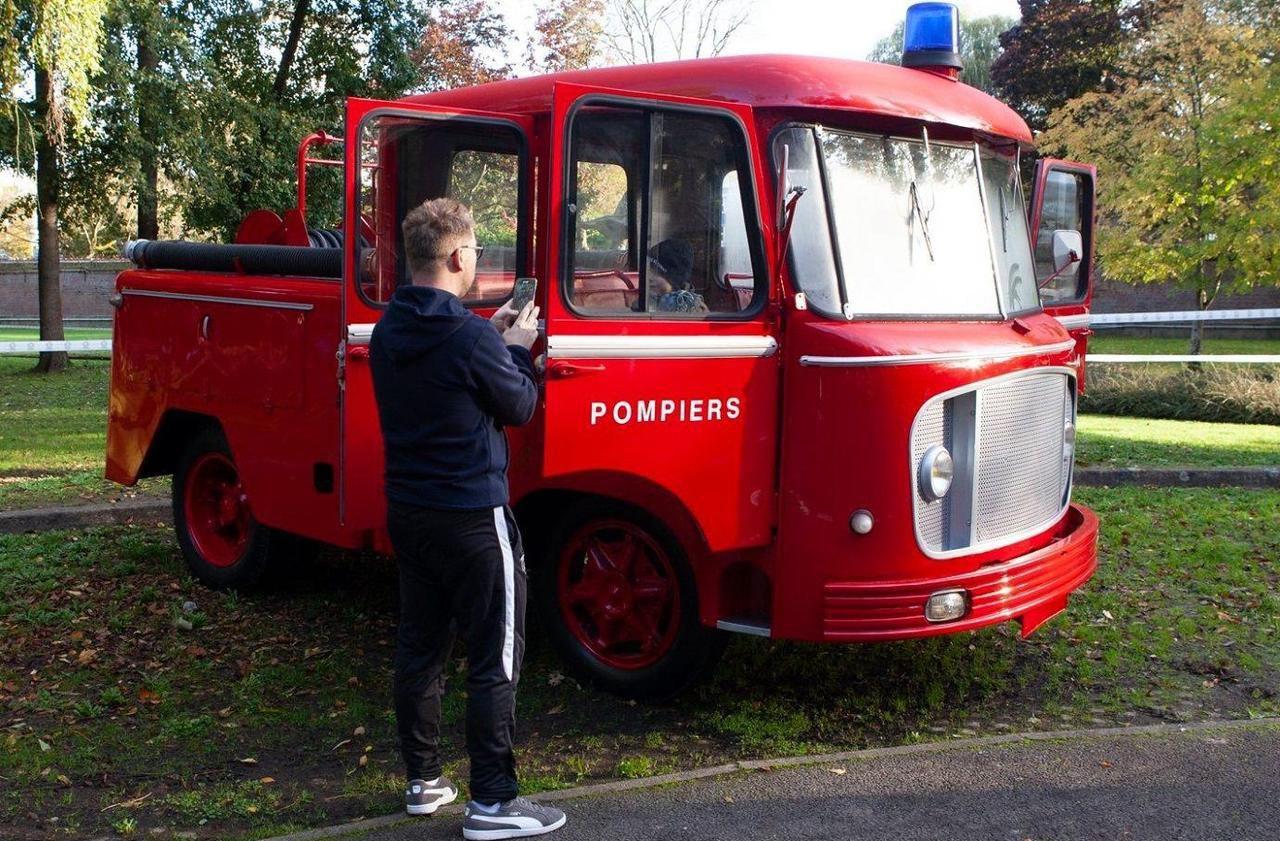 Choisy-La-Victoire : L'ancien Camion Des Pompiers Restauré encequiconcerne Jeux De Camion De Pompier Gratuit