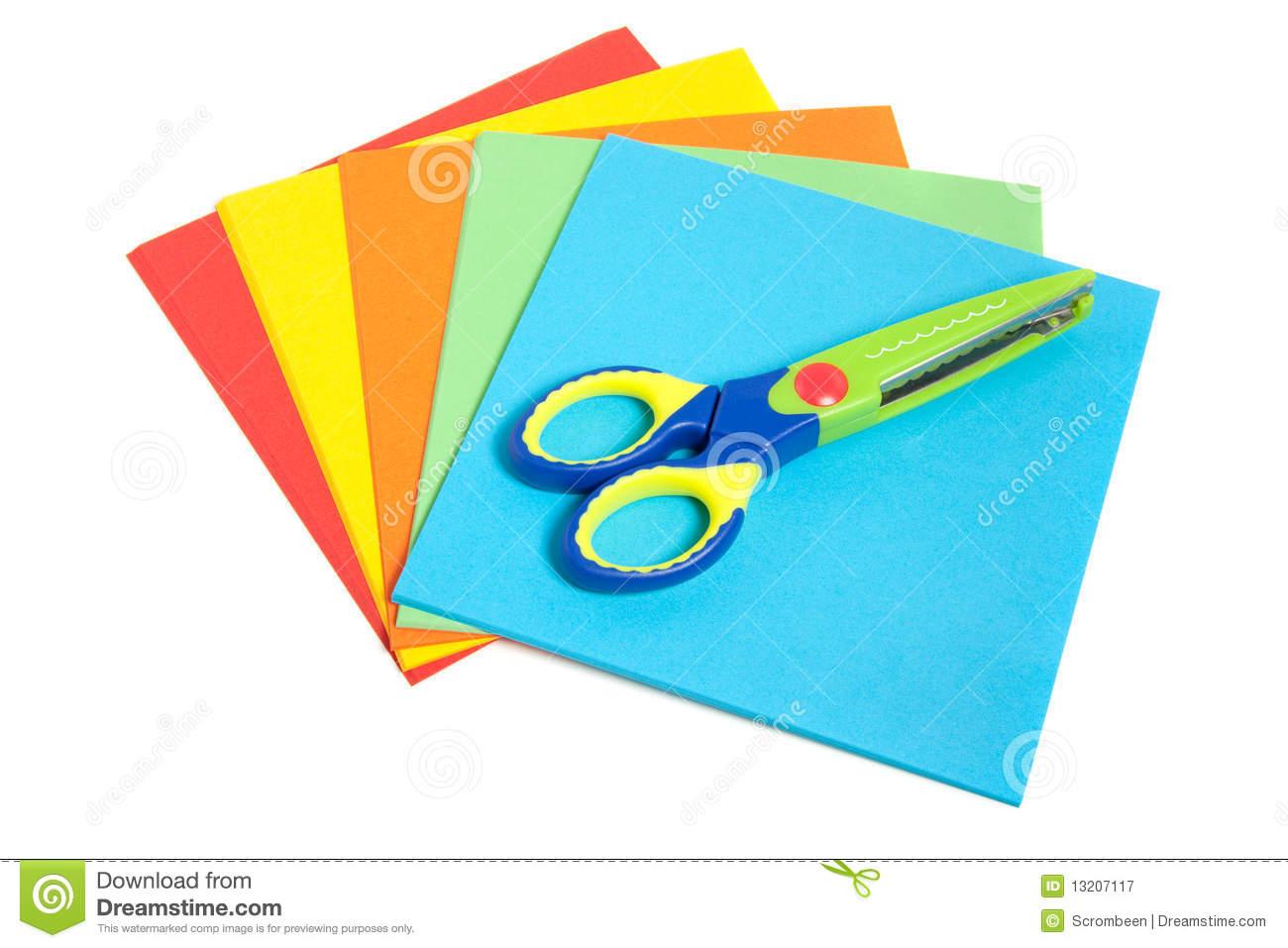 Ciseaux En Plastique D'enfant Avec Le Papier Image Stock destiné Pliage Papier Enfant
