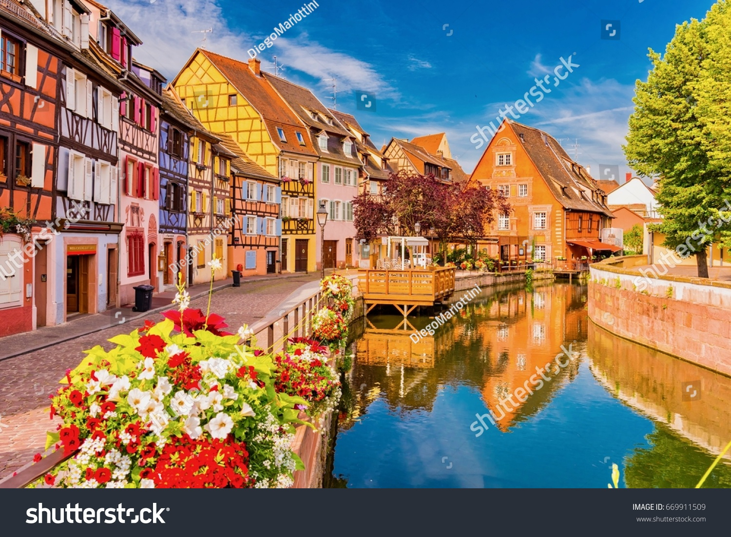 Colmar France June 14 2017 Beautiful | Buildings/landmarks encequiconcerne Region De France 2017