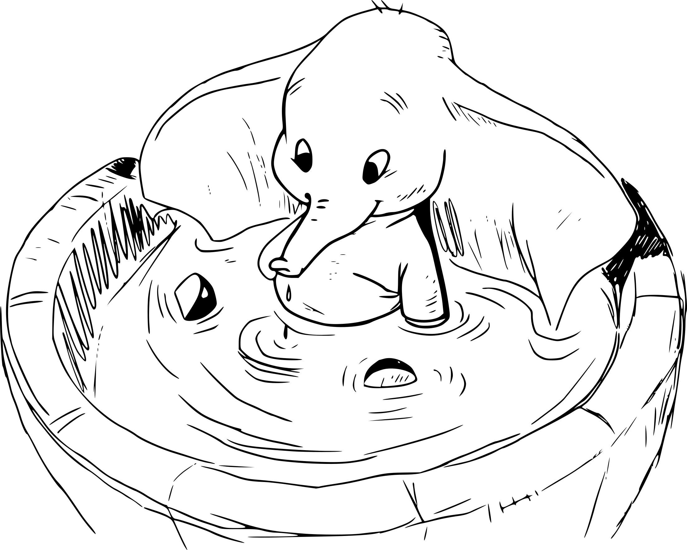 Coloriage Dumbo Dans L'eau À Imprimer Sur Coloriages à Dessin Dumbo