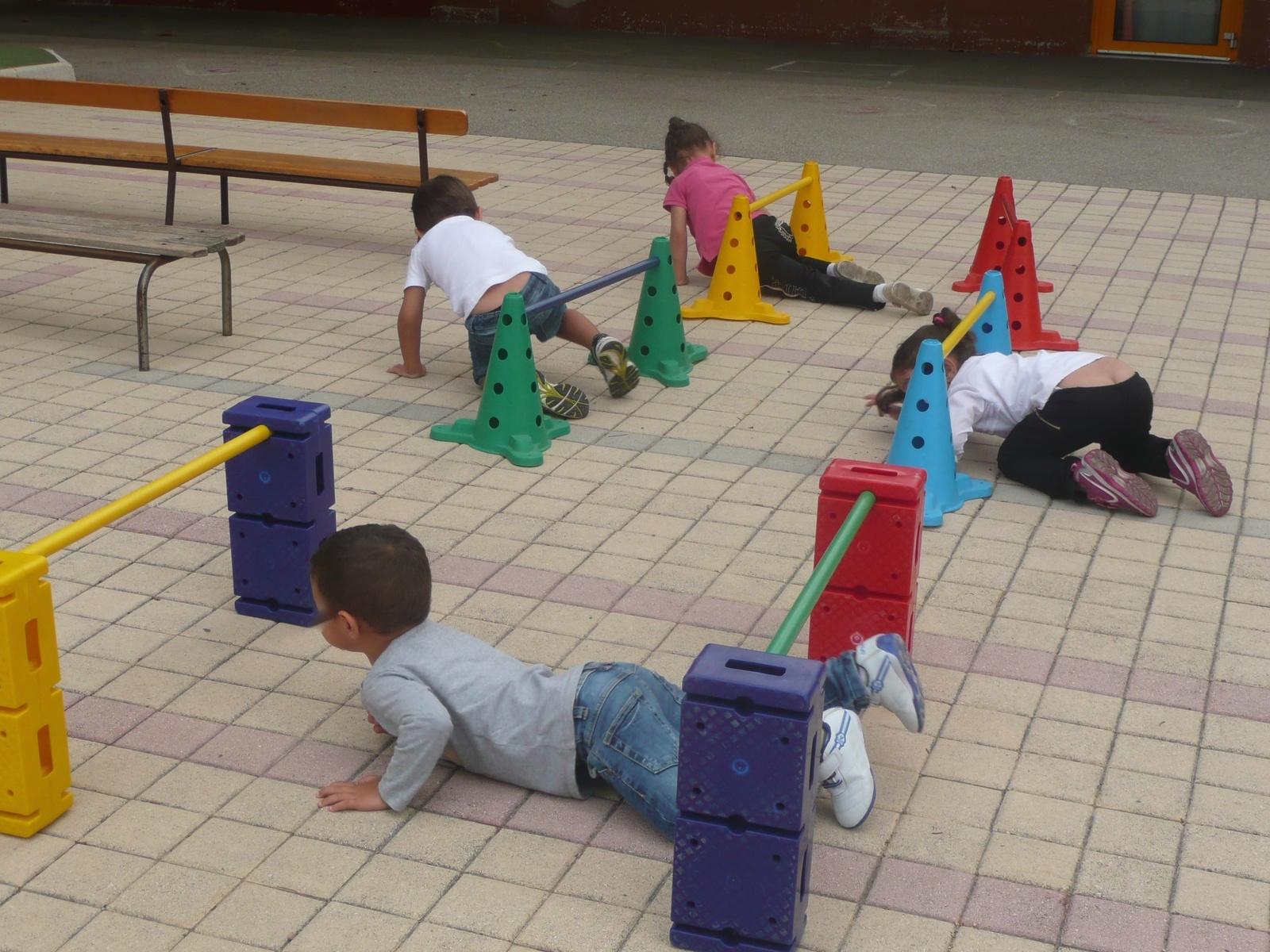 Des Jeux En Petite Section De Maternelle - Jouer Pour La Paix pour Jeux Pour Petite Section