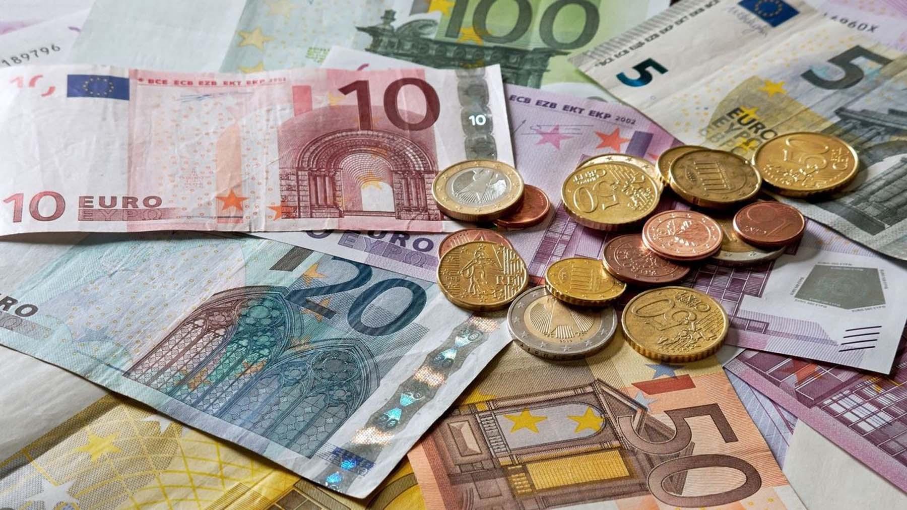 Devises : L'euro A 20 Ans, Les Grandes Dates De La Monnaie pour Billet De 5 Euros À Imprimer