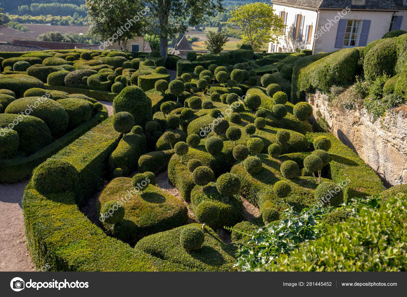 Dordogne France September 2018 Topiary Gardens Jardins concernant Region De France 2018