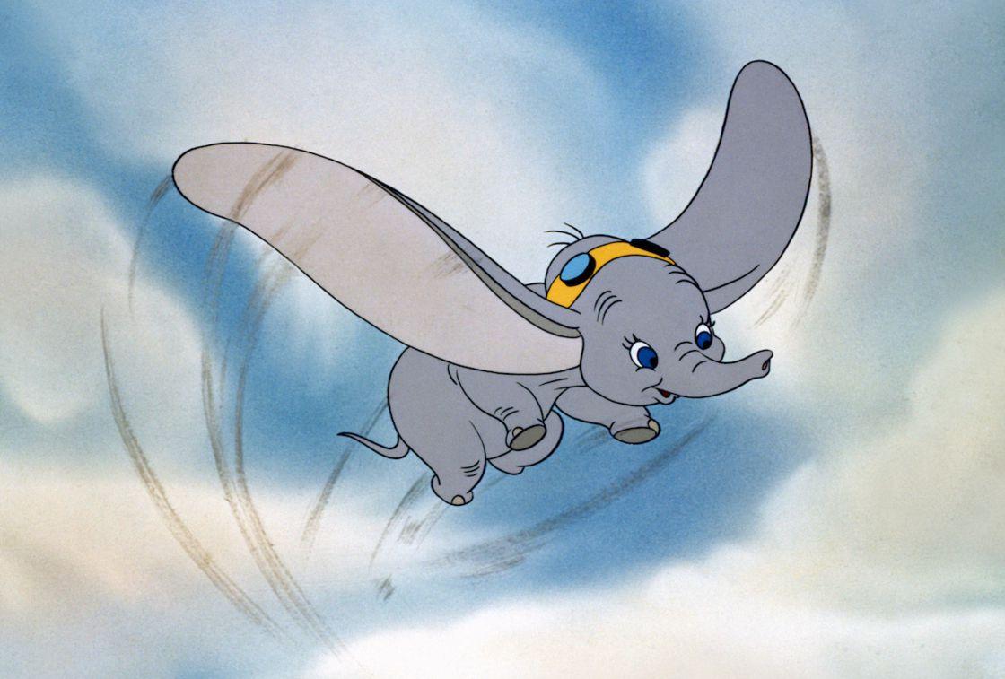 Dumbo : 5 Bonnes Raisons De Voir Le Nouveau Tim Burton à Dessin Dumbo