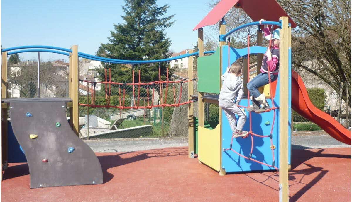 Edition Epinal | Domèvre-Sur-Durbion : Une Aire De Jeux Pour concernant Jeux Pour Jeunes Enfants