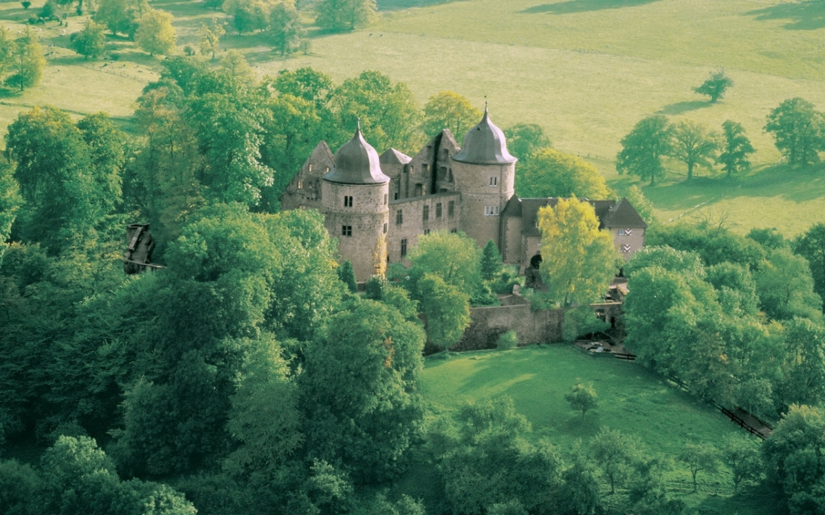 Eghn – Le Jardin Du Château Fort Sababurg, Le Château De La avec Image De Chateau Fort A Imprimer