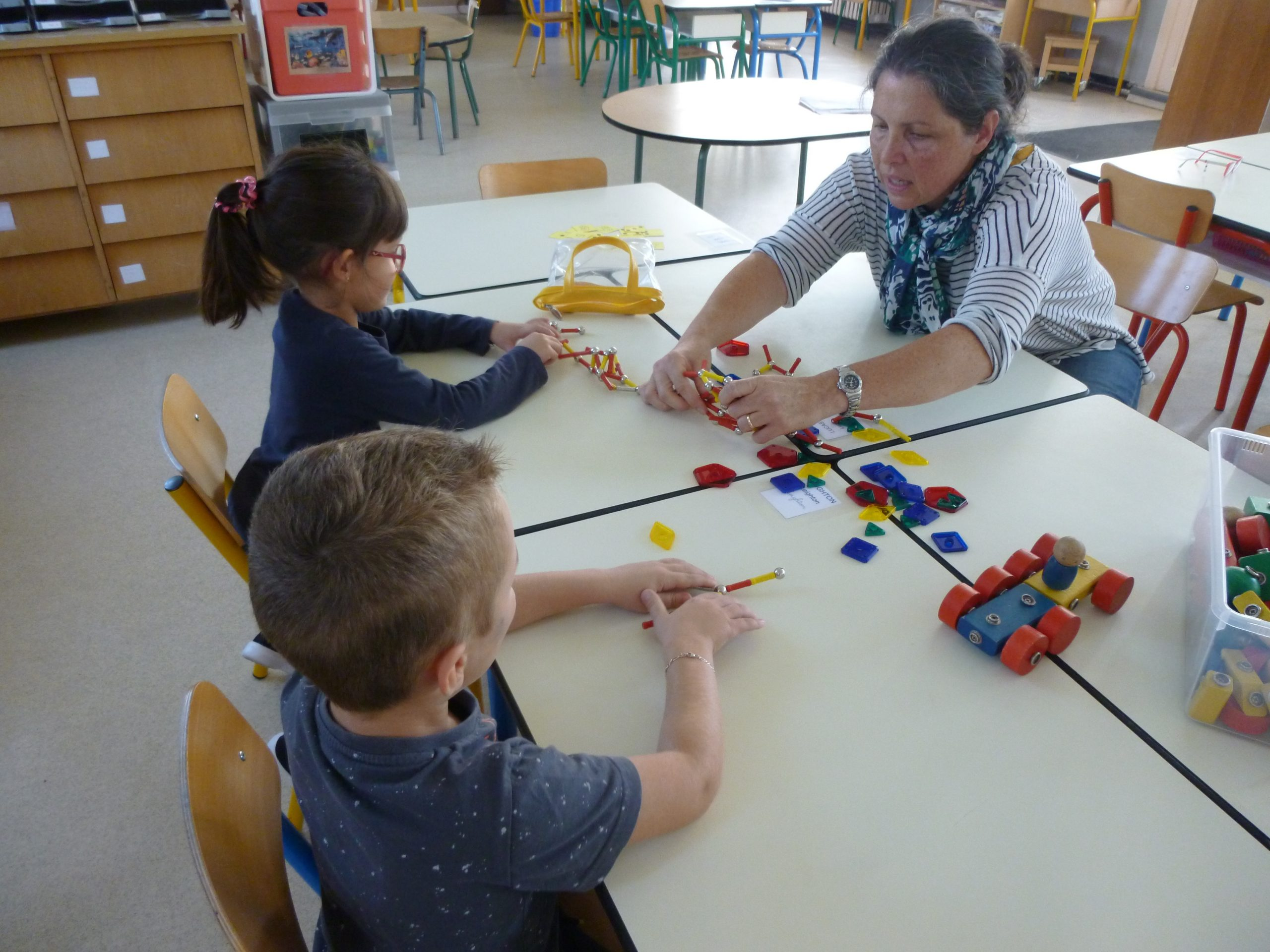 En Maternelle, L'apprentissage Des Mathématiques Se Fait De à Jeux Apprentissage Maternelle