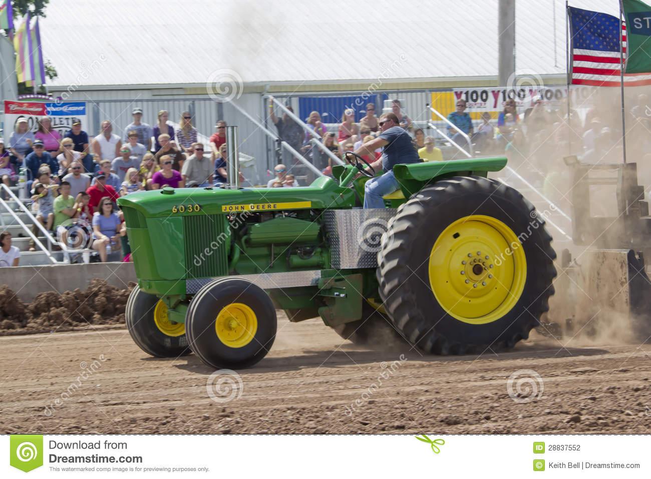 Entraîneur De John Deere 6030 Tirant La Vue De Côté destiné Dessin Animé De Tracteur John Deere