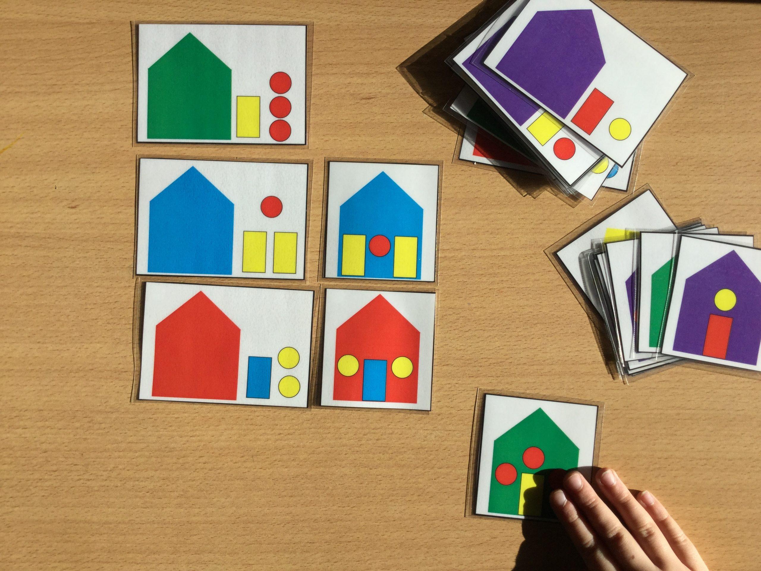 Espace Et Géométrie : Jeu Des Maisons – Evolution Classe intérieur Jeu De Forme Géométrique