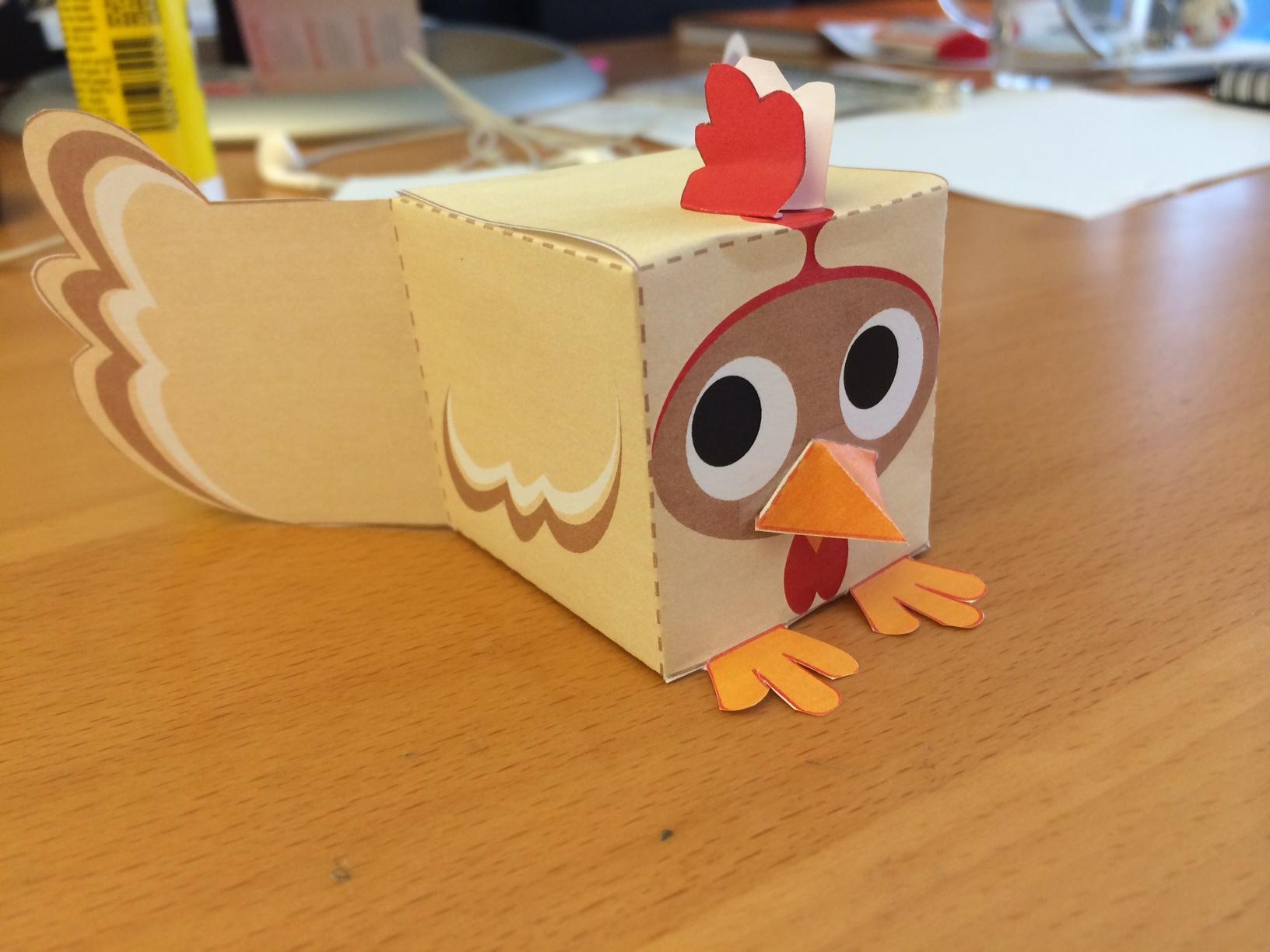 Fabrique Ta Poule De Pâques En Papertoy - La Poule | La Poule destiné Paper Toy A Imprimer