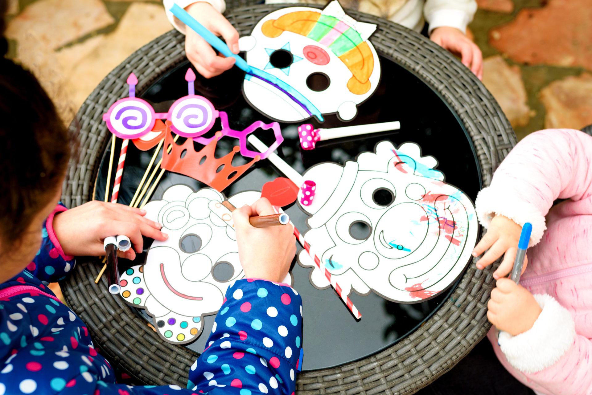Fabriquer Masque Pour Le Carnaval : Idées Bricolage Pour à Travaux Manuel Pour Tout Petit