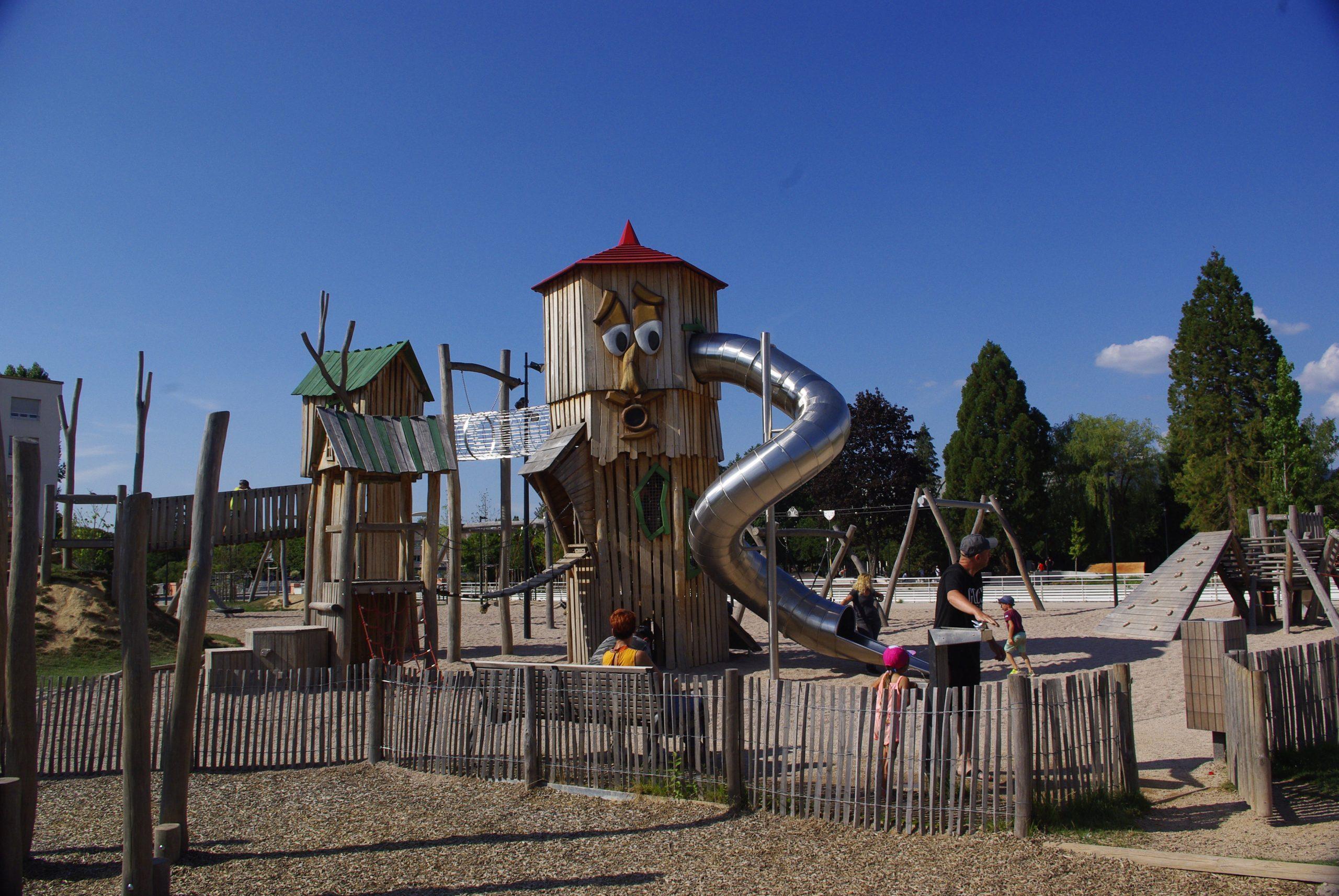 Fichier:aire De Jeux Pour Enfants (St-Dié-Des-Vosges) intérieur Jeux Pour Enfan
