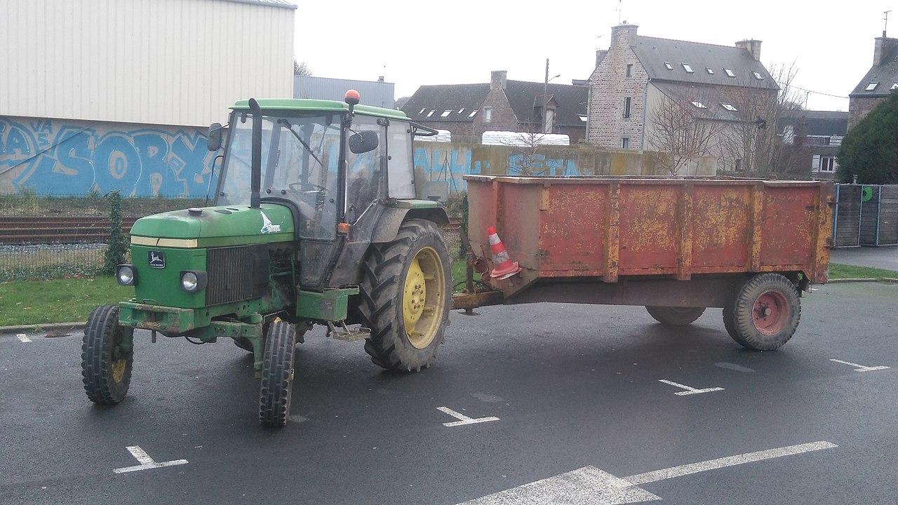 File:tracteur John Deere - Commune De Paimpol intérieur Image Tracteur John Deere