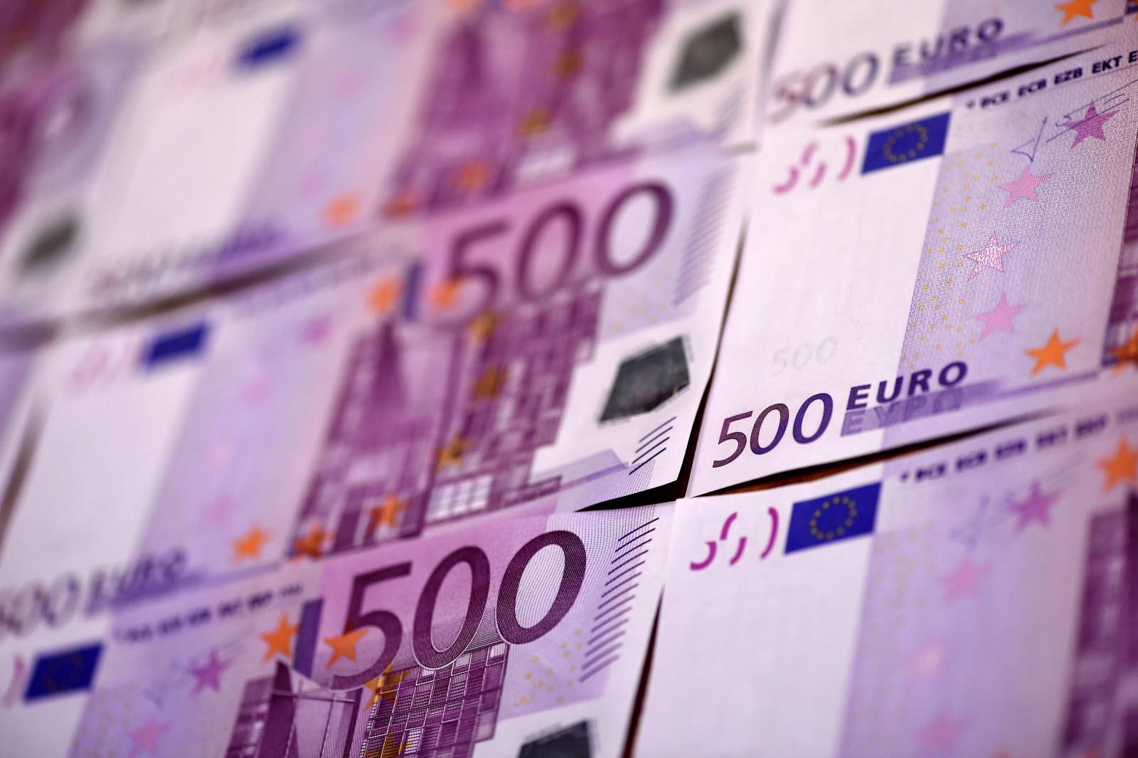 France-Monde | Les Billets De 500 Euros Vont Disparaître En 2019 intérieur Billet De 100 Euros À Imprimer