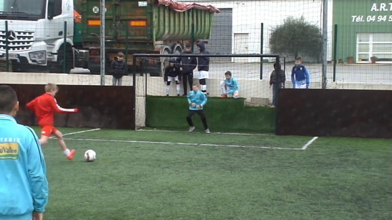 Gardien De But U12 Actions De Jeu De Julien Castiglioni Au Tournoi  Goalinsports pour Jeux De Gardien De Foot