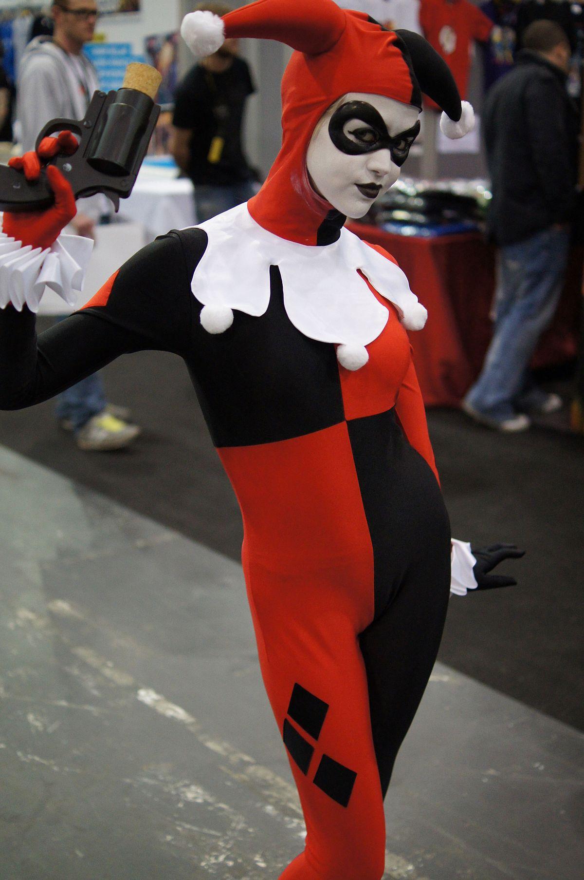 Harley Quinn — Wikipédia à Masque De Catwoman A Imprimer