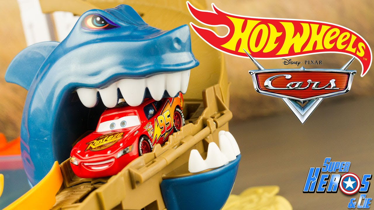 Hotwheels Sharkport Showdown Colour Shifters Playset Cars Lightning Mcqueen  4K #toy #unboxing serapportantà Voiture Requin Jouet