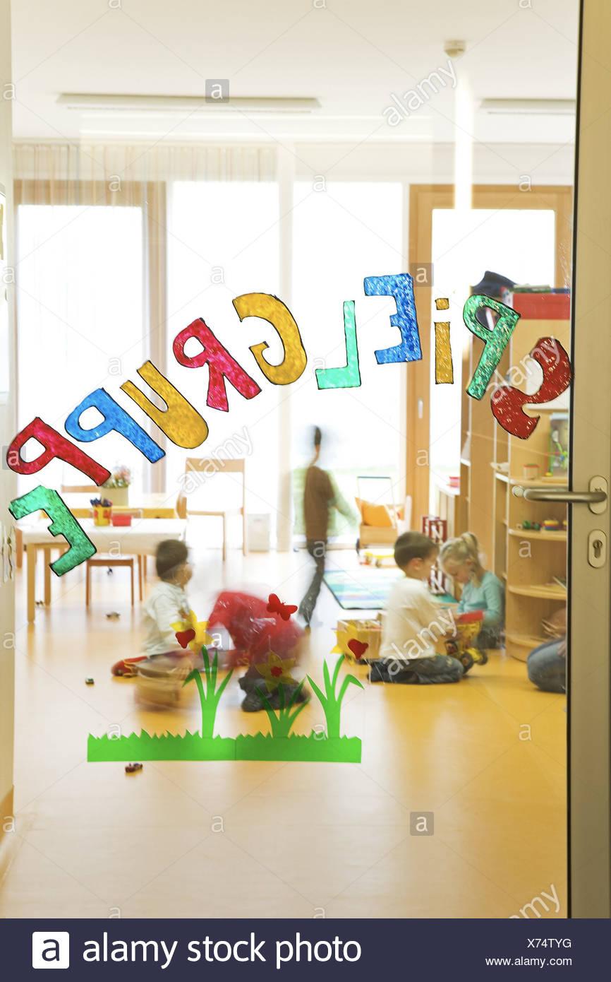 Jardin D'enfants Jeu De Course Porte Joue Pas De Modèles De avec Jeux De Course Pour Enfants