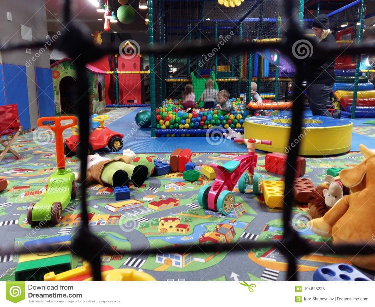 Jeu D'enfants Dans La Salle De Jeux Dans Le Jardin D'enfants pour Jeux Pc Enfant