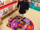 Jeune Fille Âgée De 6 Ans / 6 Ans Enfant / Enfants / Enfants avec Activité Fille 6 Ans