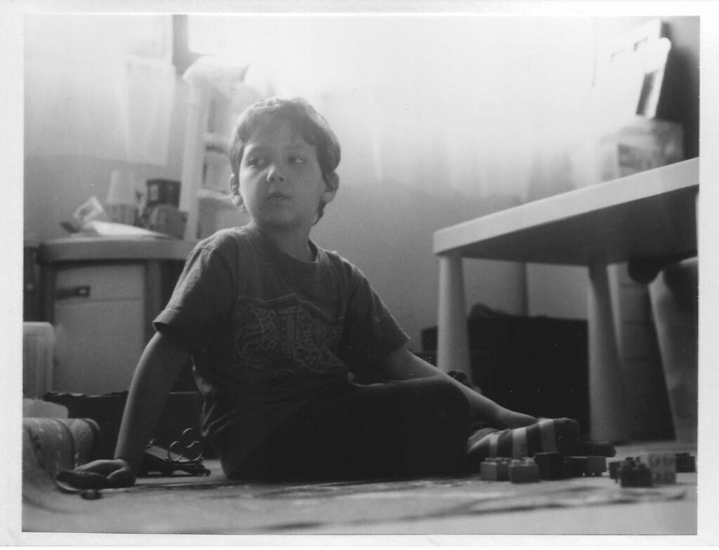 Jeux D'enfant | Shot On Fp3000B With The Polaroid 600Se encequiconcerne Jeux Flash Enfant