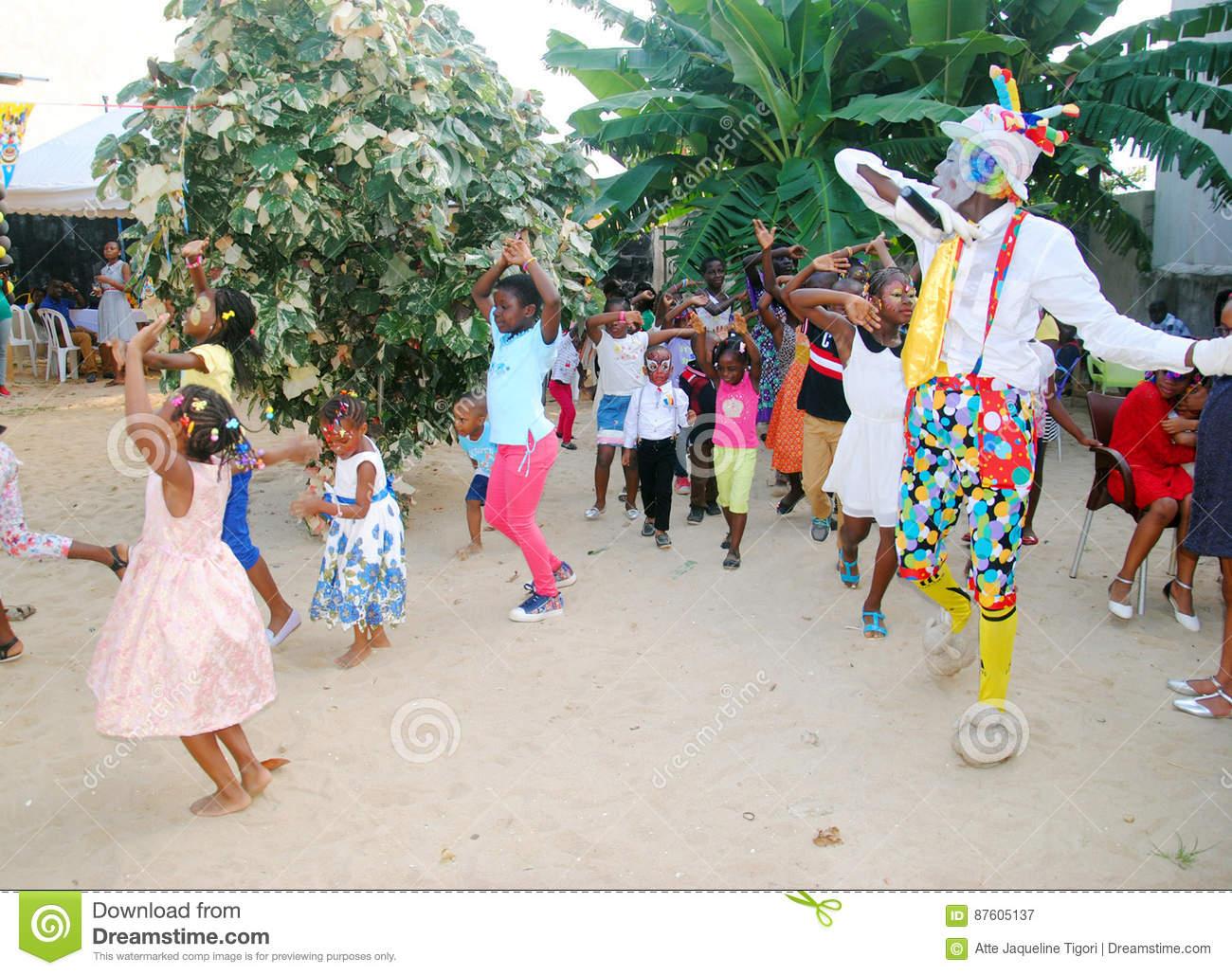 Jour Du ` S D'enfants En Afrique Photographie Éditorial concernant Jeux Africains Pour Enfants