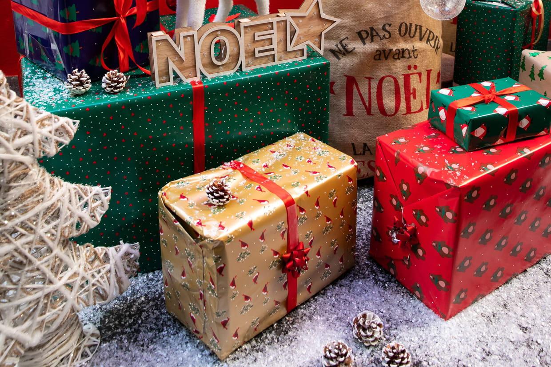 Joyeux Noël : Carte, Sms, Vidéos Des Idées De Vœux encequiconcerne Carte De France Pour Enfant