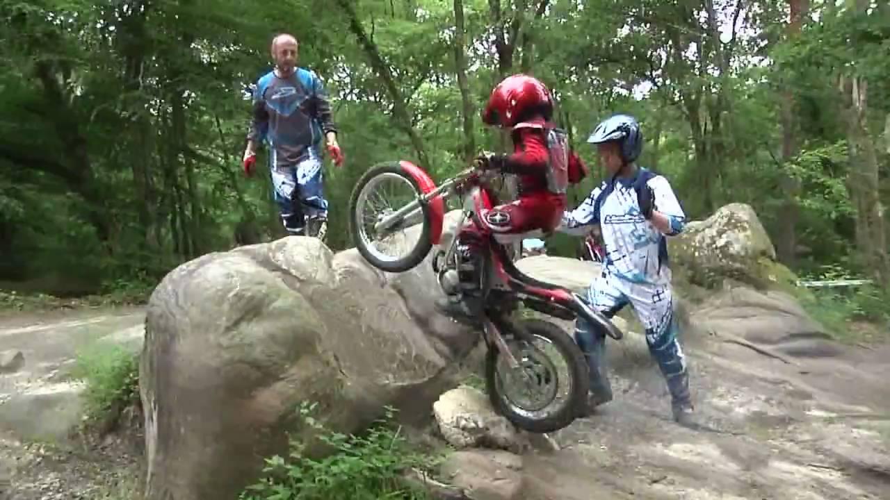 Julien 6 Ans - Moto Trial intérieur Mot Pour Enfant