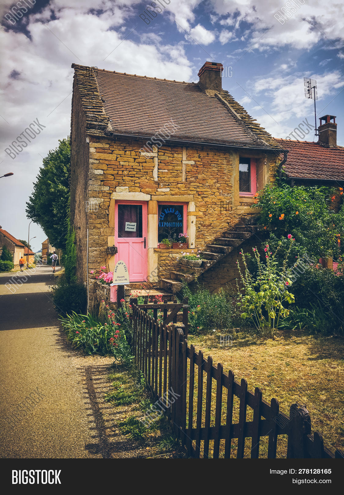 July 19, 2017. Village Image & Photo (Free Trial) | Bigstock encequiconcerne Region De France 2017