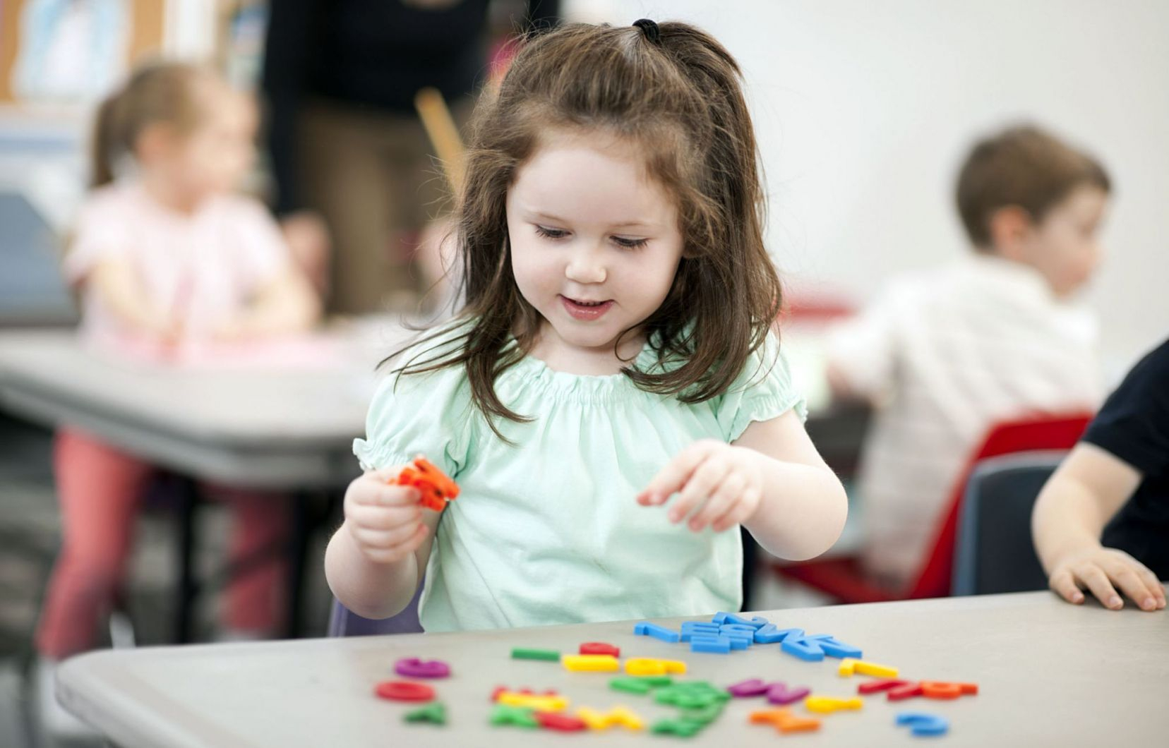 L'apprentissage Des Lettres Est Aussi Important Que Le Jeu concernant Jeux D Apprentissage Maternelle