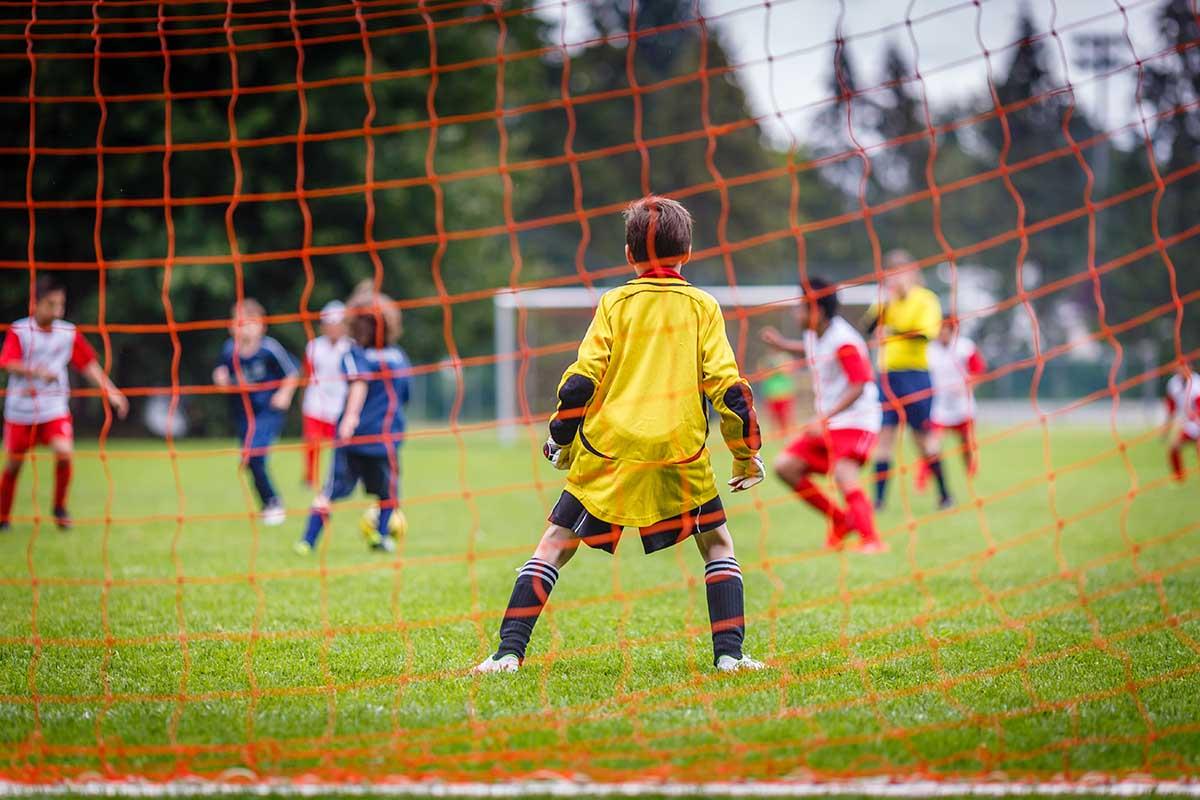 Le Décès D'un Jeune Gardien De But Émeut Le Football Amateur intérieur Jeux De Foot Gardien De But