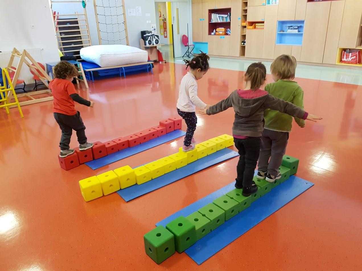 Le Jeu De La Rivière | Blog De La Classe Des Petits/grands encequiconcerne Jeux Pour Petite Section