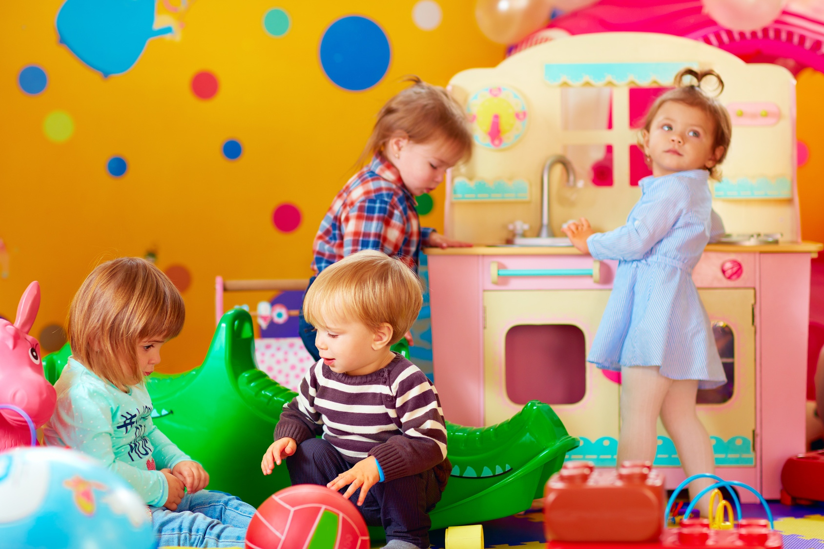 Le Jeu Symbolique À La Crèche | Lesprosdelapetiteenfance concernant Jeux Ludique Enfant
