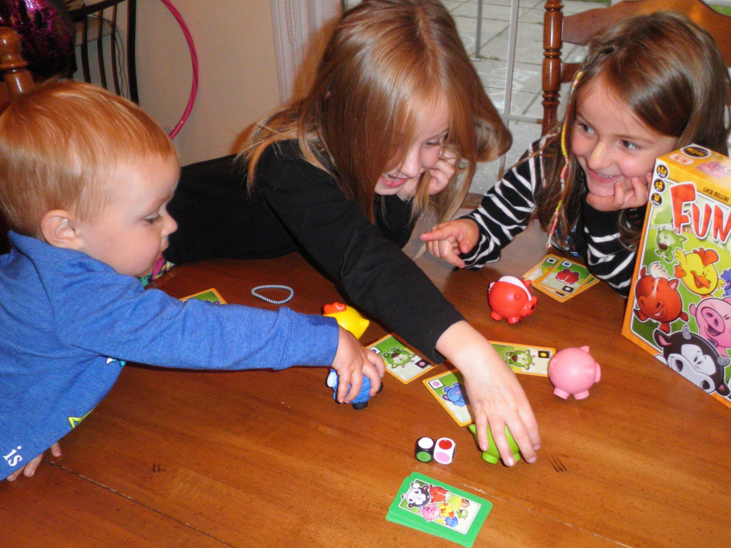 Les Jeux De Société dedans Jeux Pour Petit Enfant