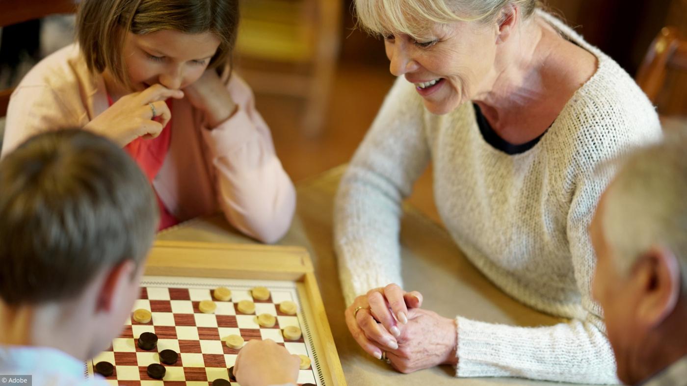 Les Meilleurs Jeux De Société Pour Jouer Avec Mes Petits-Enfants tout Jeux Pour Petit Enfant