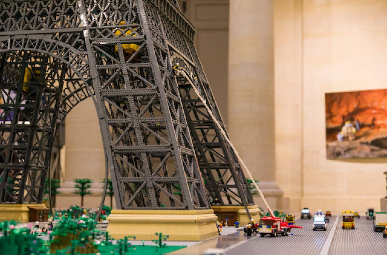 L'expo Lego Qui Casse Des Briques À Versailles concernant Casse Brique Enfant