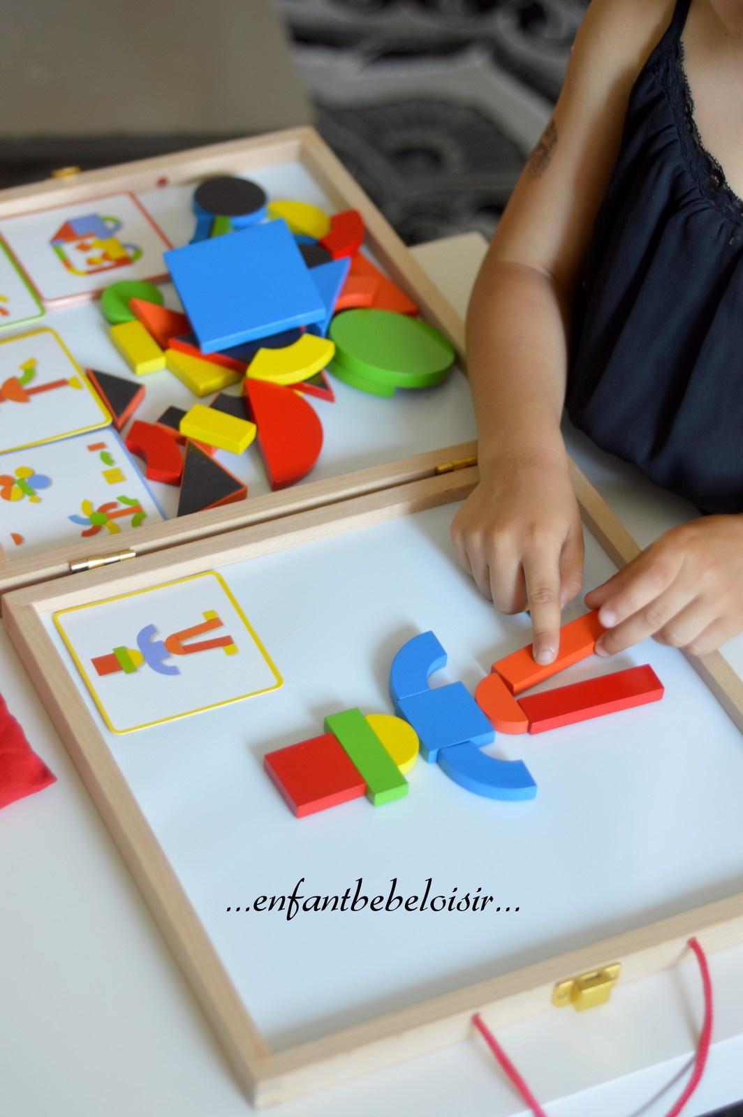 Malette Tangram De Djeco - Enfant Bébé Loisir intérieur Tangram Enfant