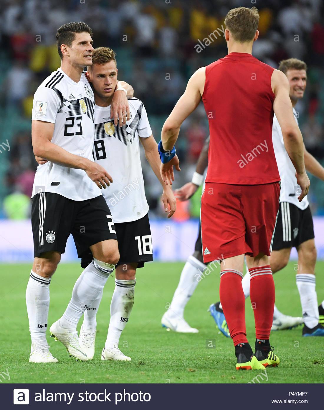 Mario Gomez (Allemagne), Joshua Kimmich (Allemagne), Et Le encequiconcerne Jeux De Foot Gardien De But